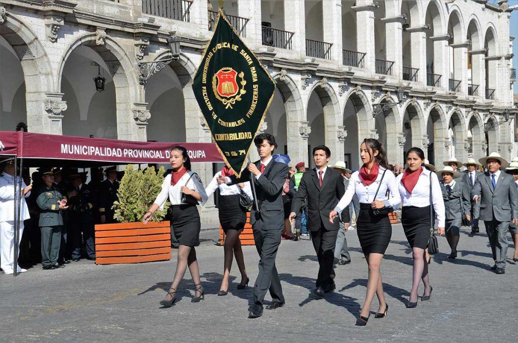 desfile-por-57-aniversario-ucsm-2018-alumnos-2
