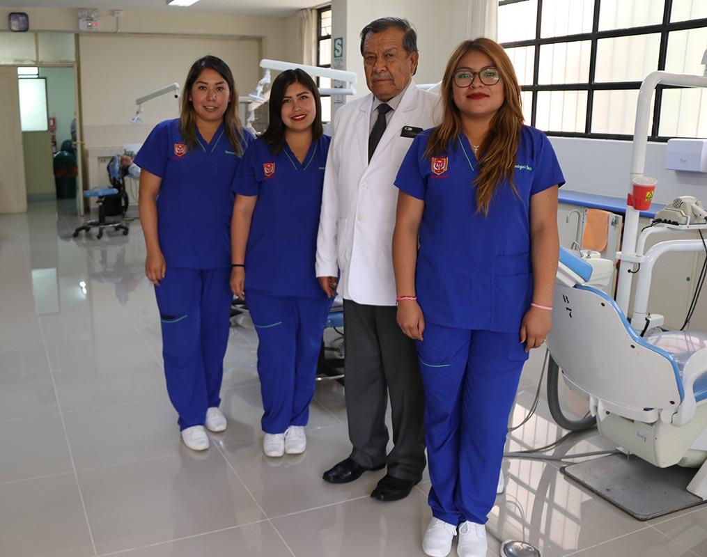 clinica-odontologica-modernizo-sus-instalaciones-y-hoy-cuenta-con-tomografo-3d-ucsm-03