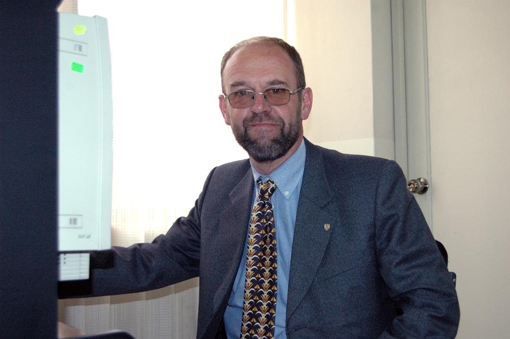 dr-bruno-van-deer-matt-nos-muestra-sus-dotes-de-modelo