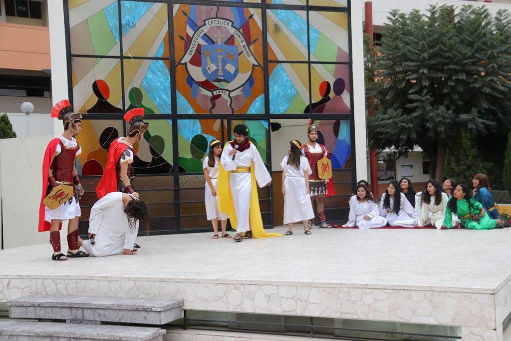 via-crucis-teatro-ucsm-03