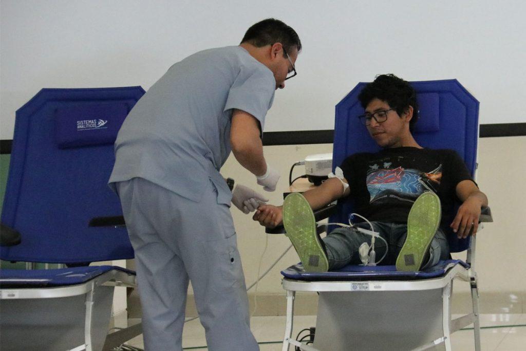 con-exito-se-realizo-primera-campana-de-donacion-de-sangre-en-la-ucsm-_0001_capa-4