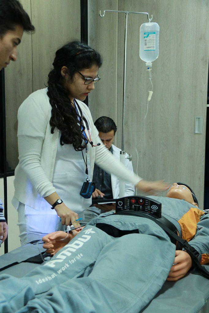 medicos-deberan-aprobar-evaluacion-para-colegiarse-y-realizar-el-serums_0002_img_4073