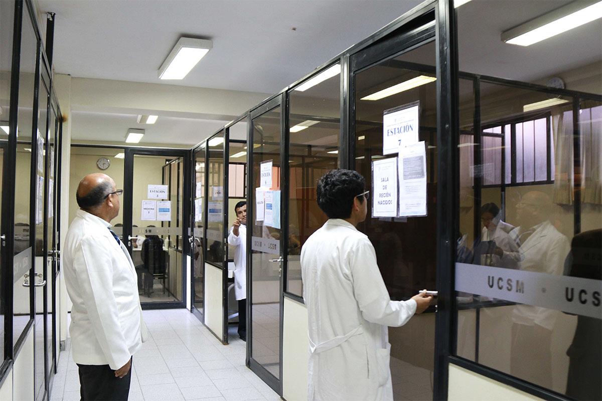 medicos-deberan-aprobar-evaluacion-para-colegiarse-y-realizar-el-serums_0004_img_4130