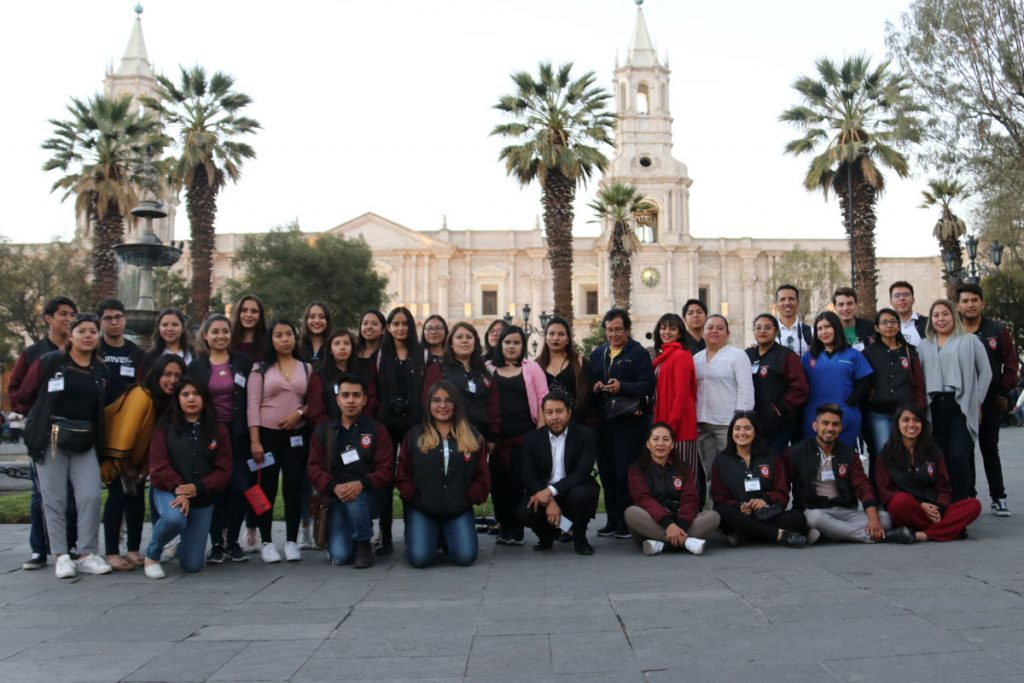 estrechando-lazos-academicos-y-culturales-entre-mexico-y-peru_0001_capa-2