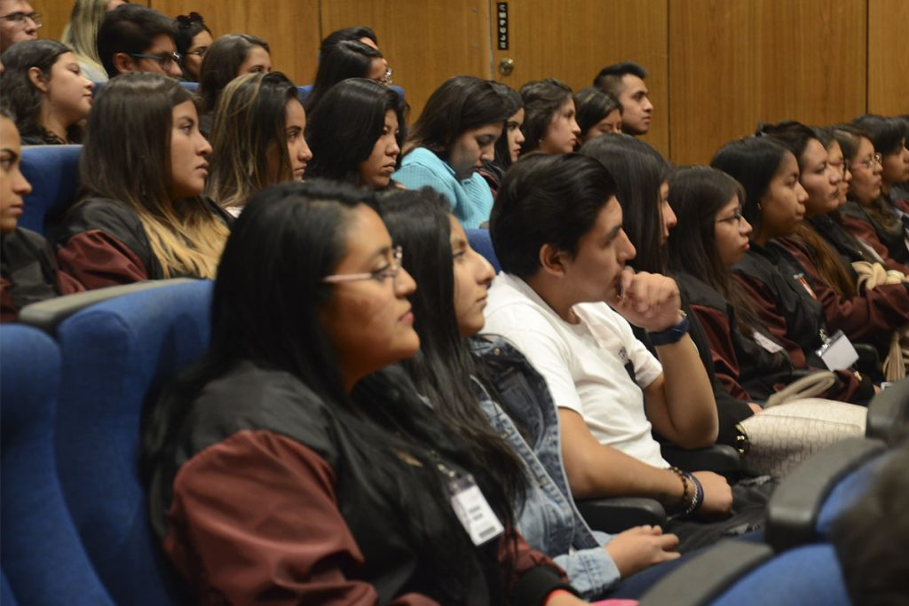 estrechando-lazos-academicos-y-culturales-entre-mexico-y-peru_0003_dsc_8603