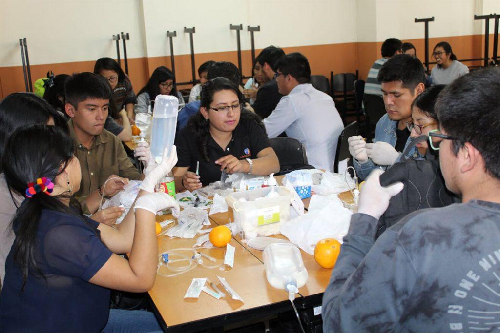 asociacion-cientifico-academica-de-estudiantes-de-medicina-realizo-taller-de-inyectables_0003_foto-6