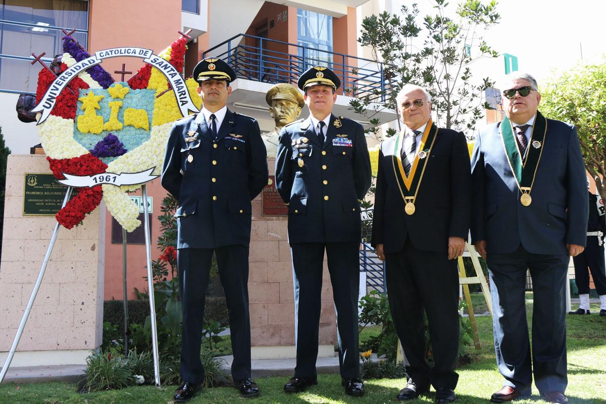 santamarianos-reconocieron-compromiso-con-la-patria-del-heroe-jose-abelardo-quinones_0000_tono_saturacion-1