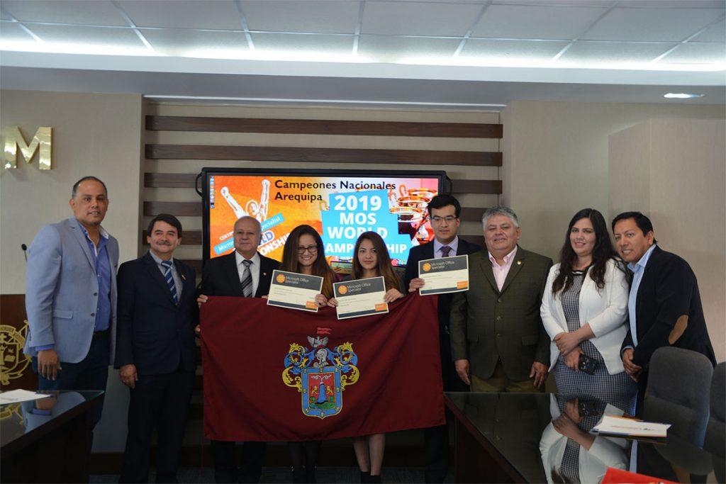 santamarianos-representaran-al-peru-en-competencia-mundial-de-microsoft_0002_campeones-de-office-arequipa-ucsm_0001_capa