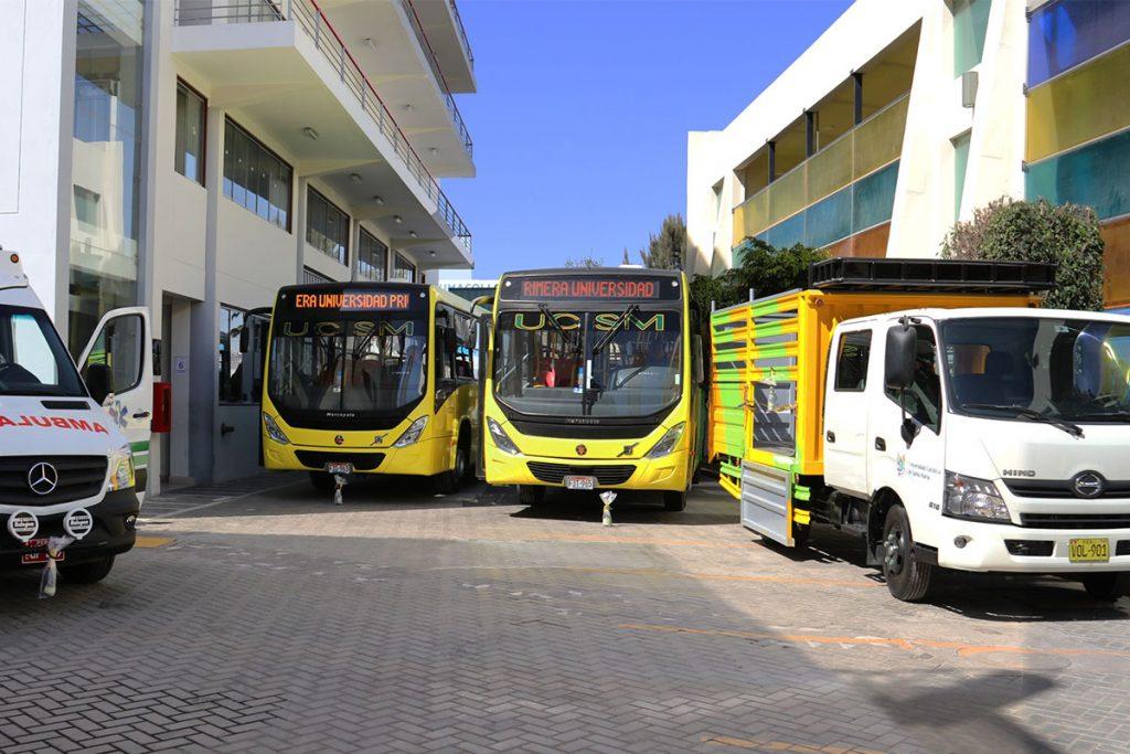 ucsm-adquirio-nueva-flota-de-buses-y-unidad-medica-para-atender-a-16-mil-estudiantes_0000_img_2025