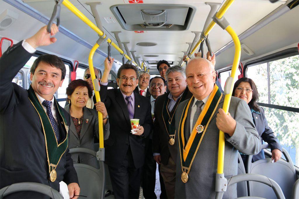 ucsm-adquirio-nueva-flota-de-buses-y-unidad-medica-para-atender-a-16-mil-estudiantes_0003_img_2125