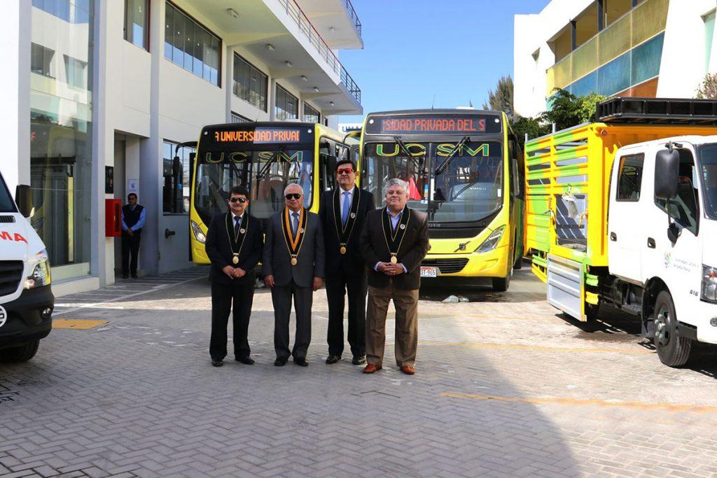 ucsm-adquirio-nueva-flota-de-buses-y-unidad-medica-para-atender-a-16-mil-estudiantes_0004_img_2094