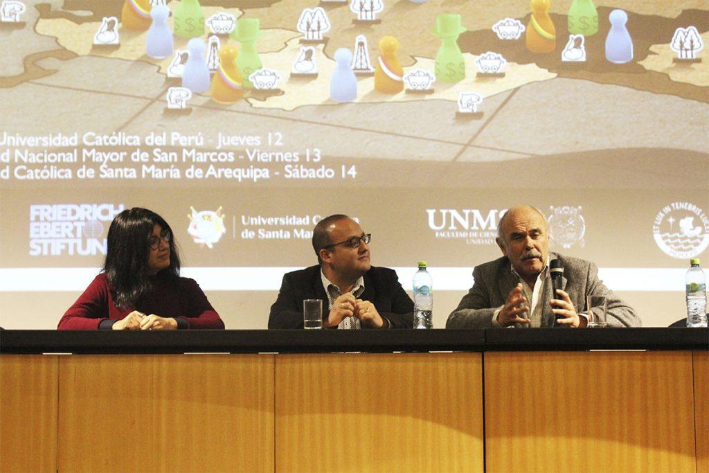 en-la-ucsm-expertos-de-ocho-paises-expusieron-sobre-poder-economico-en-america-latina_0000_img_9692