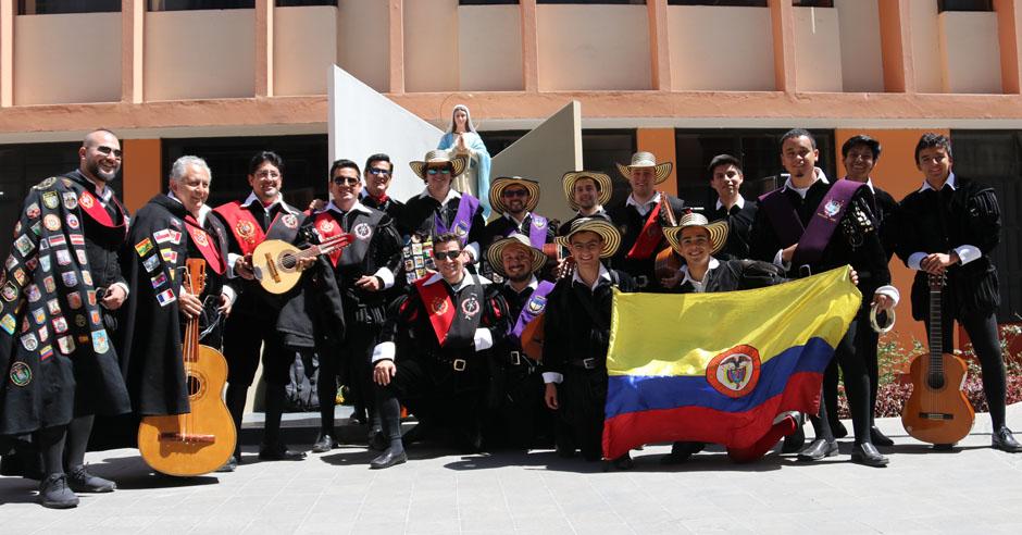 tunas-universitarias-espana-colombia-y-peru-se-presentan-en-la-catolica