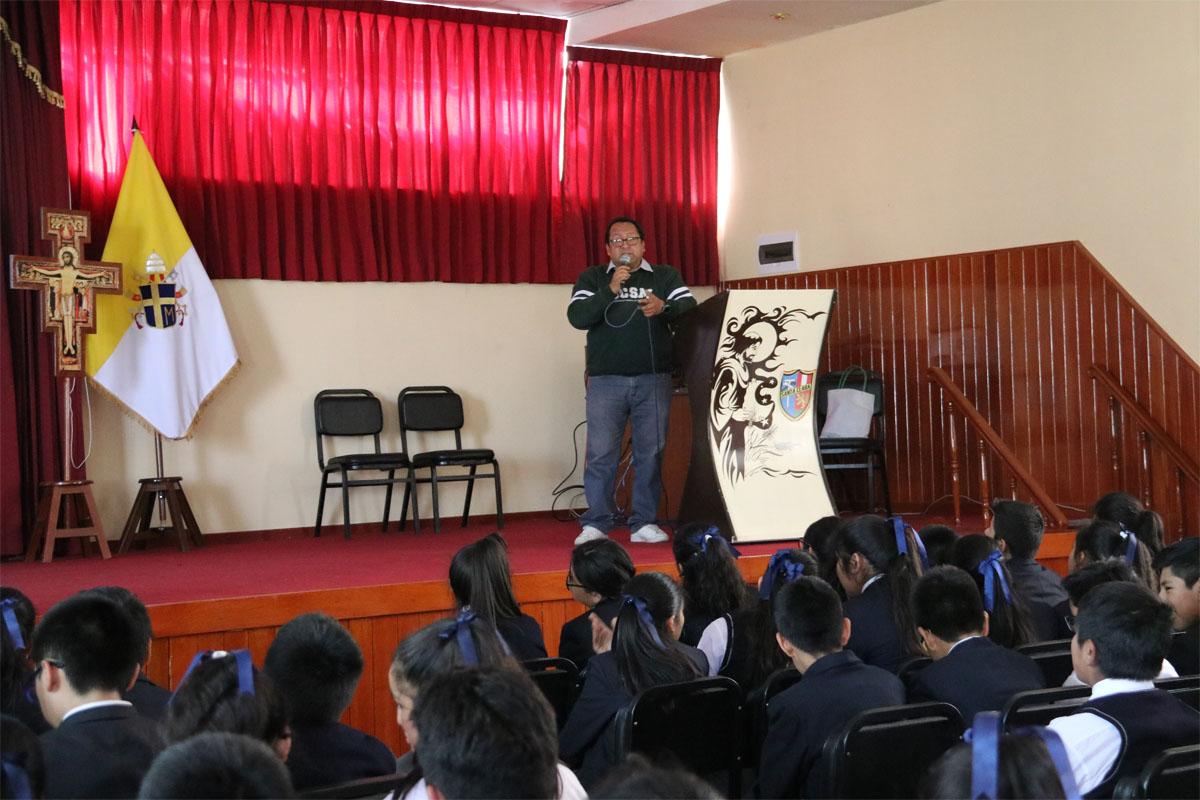 colegio-santa-clara-participa-en-proyecto-arequipa-ciudad-verde-de-la-catolica_0002_capa-1