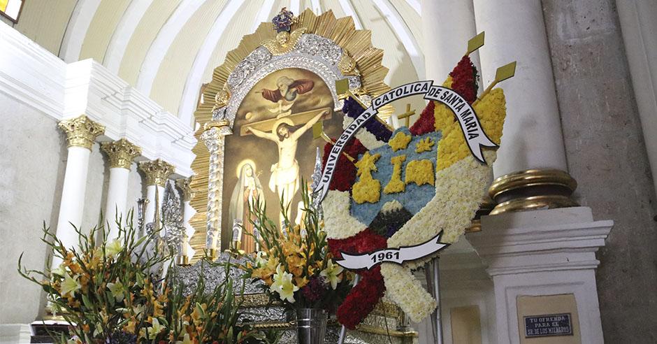 cristo-morado-bendijo-a-comunidad-santamariana