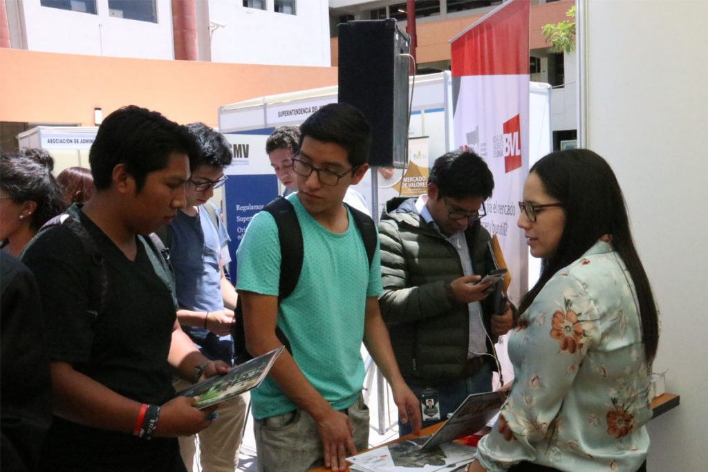 estudiantes-santamarianos-podran-acceder-a-pasantias-en-la-superintendencia-de-mercado-de-valores_0001_capa-4