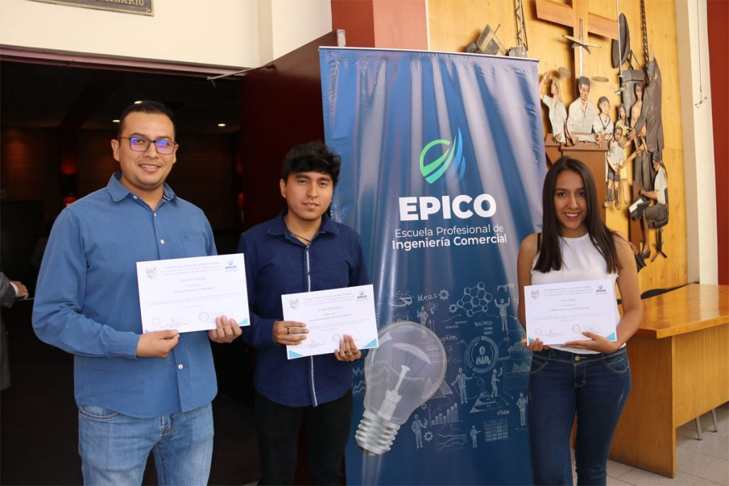 los-siete-mejores-alumnos-de-cuarto-ano-de-ingenieria-comercial-participaran-en-una-pasantia-en-mexico-_0000_capa-3