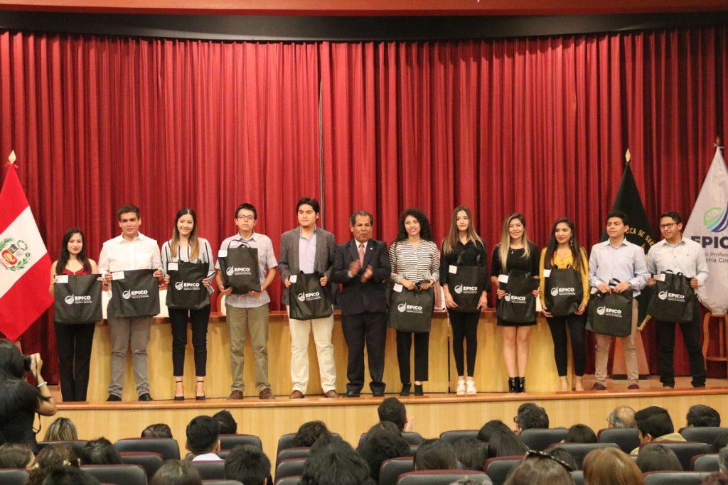 los-siete-mejores-alumnos-de-cuarto-ano-de-ingenieria-comercial-participaran-en-una-pasantia-en-mexico-_0001_capa-2