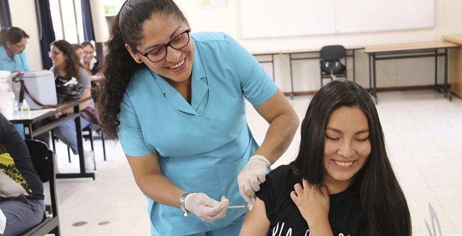mas-de-300-estudiantes-santamarianos-fueron-vacunados-contra-el-tetanos-y-la-hepatitis