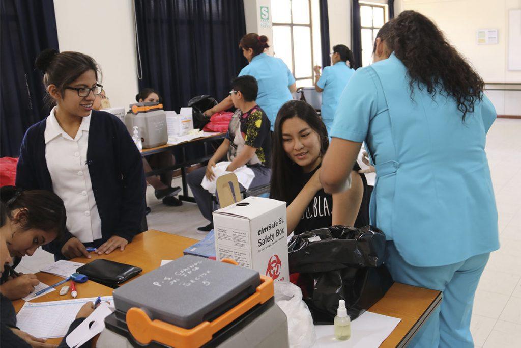 mas-de-300-estudiantes-santamarianos-fueron-vacunados-contra-el-tetanos-y-la-hepatitis_0000_img_6824