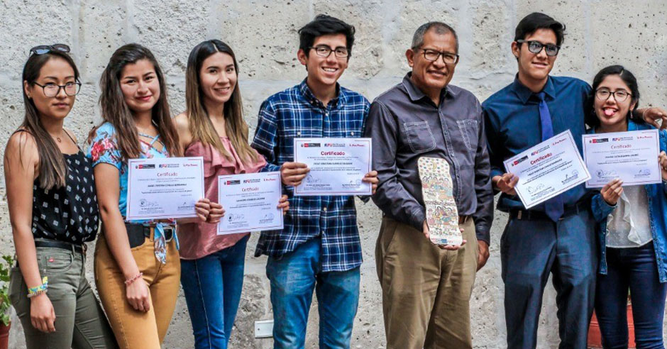 ministerio-de-la-mujer-y-poblaciones-vulnerables-distinguio-a-estudiantes-santamarianos-por-combatir-la-violencia-de-genero