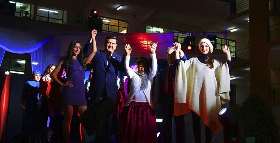 mujeres-aymara-conquistan-el-mercado-de-la-moda-europea-y-de-canada-con-la-fibra-de-alpaca