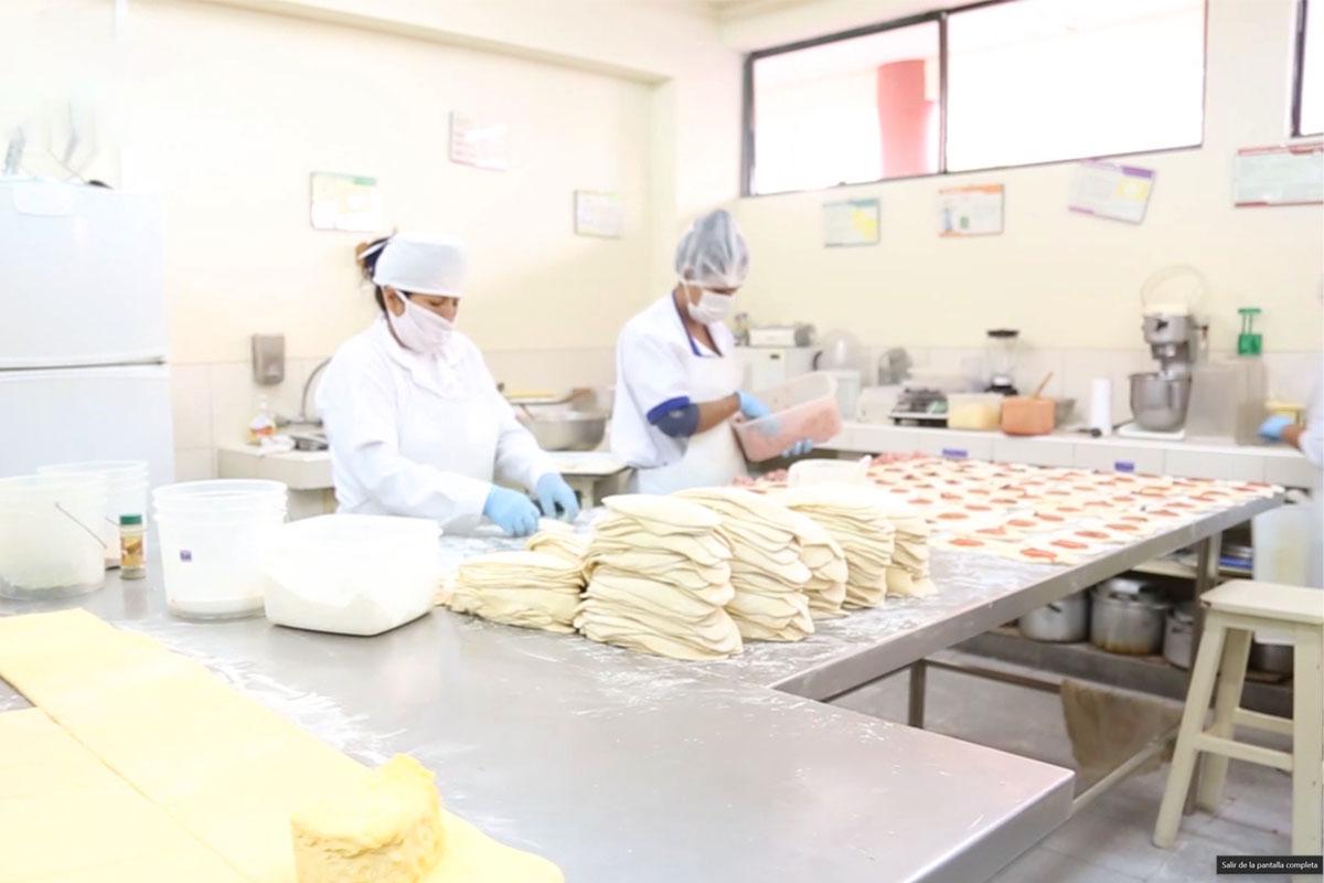 productos-de-la-catolica-en-feria-internacional-expo-agro-2019_0000_tono_saturacion-1