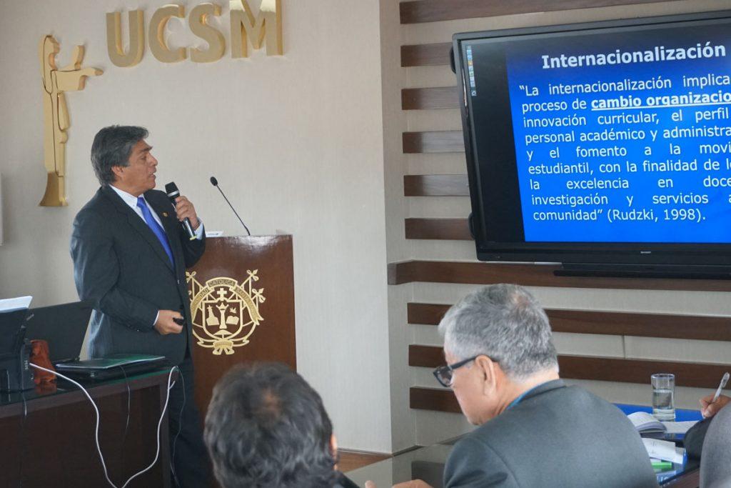 a-nivel-del-peru-la-ucsm-se-consolida-como-pionera-en-el-proceso-de-internacionalizacion-de-docentes-y-estudiantes_0004_