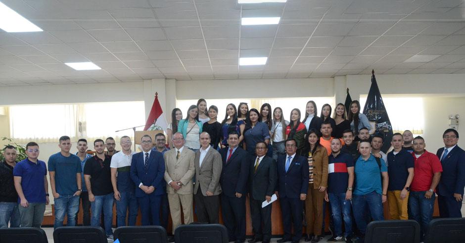 estudiantes-colombianos-llegan-a-la-catolica-para-intercambio-de-conocimientos-y-experiencias-con-sus-pares-marianistas