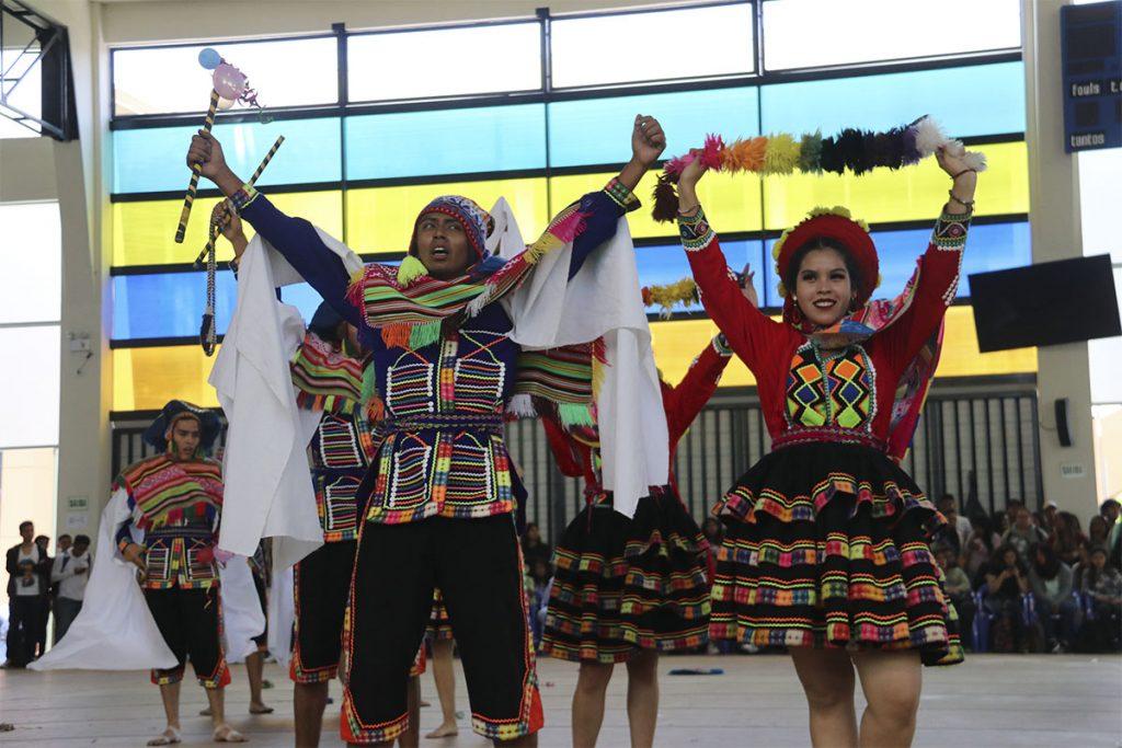 ix-concurso-de-danzas-folcloricas-interescuelas-ucsm_0001_img_9996