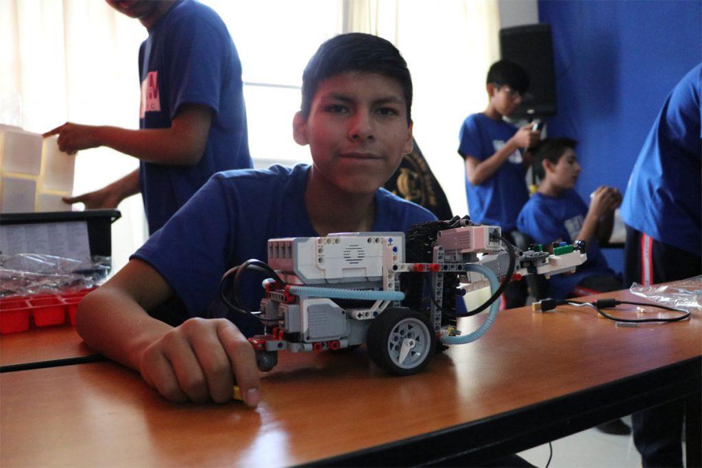 ucsm-capacita-en-robotica-a-escolares-de-uchumayu-tiabaya-y-yarabamba_0000_capa-4