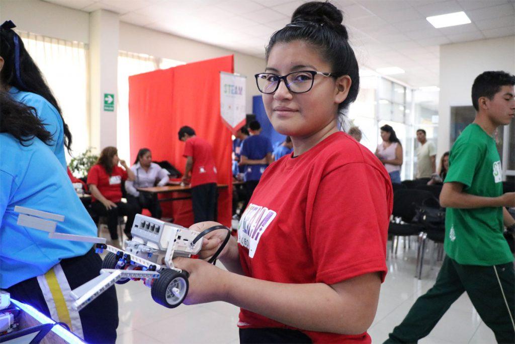 ucsm-capacita-en-robotica-a-escolares-de-uchumayu-tiabaya-y-yarabamba_0001_capa-3