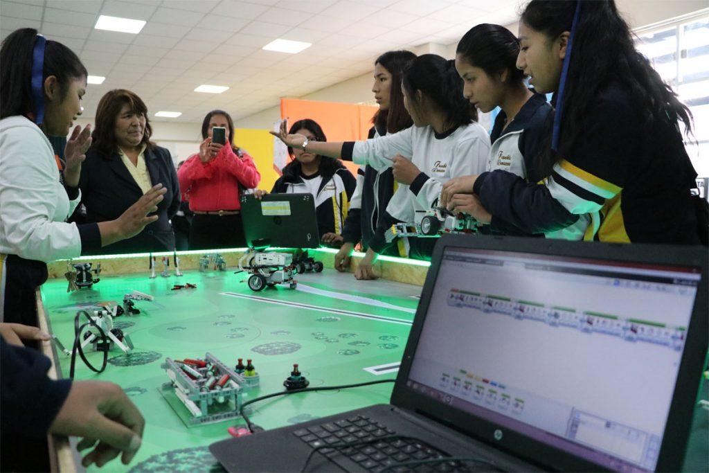 ucsm-capacita-en-robotica-a-escolares-de-uchumayu-tiabaya-y-yarabamba_0003_capa-1
