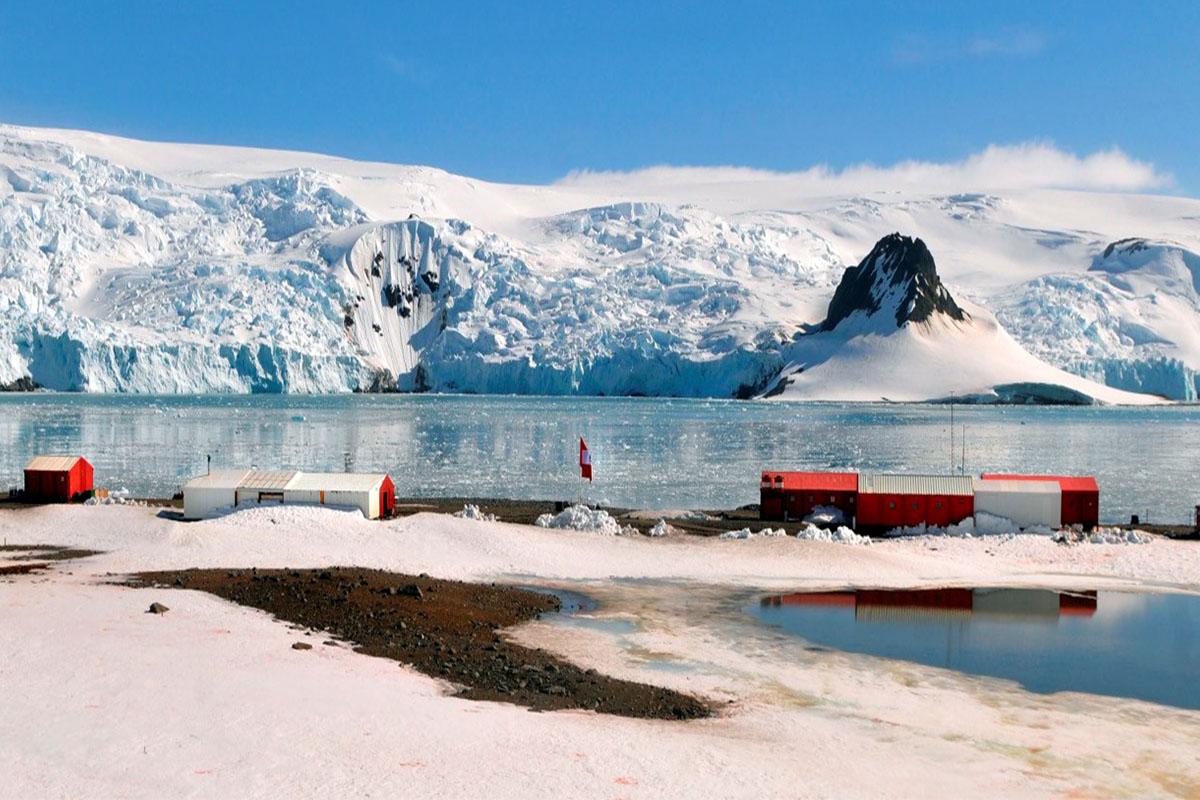 cientificos-de-la-ucsm-realizan-estudios-en-la-antartida-que-permitira-regular-la-liberacion-de-micro-plasticos-al-mar-3