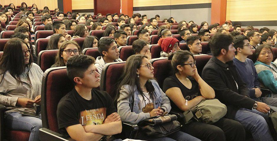 ucsm-prepara-a-sus-estudiantes-para-el-inicio-de-su-vida-academica-2