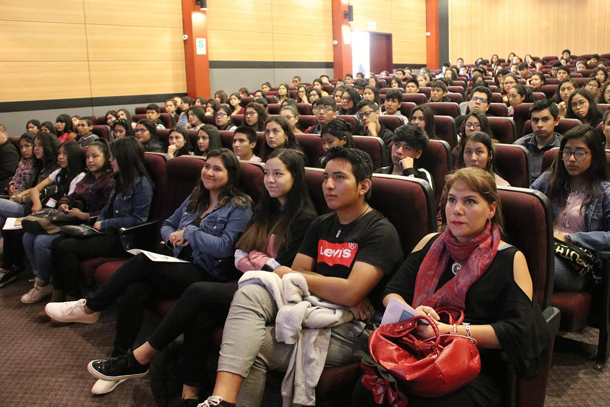 ingresantes-a-la-ucsm-participaron-en-taller-de-induccion-a-la-vida-universitaria-1