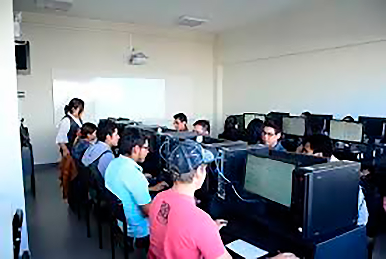 ucsm-sineace-toma-como-ejemplo-el-modelo-de-calidad-educativa-de-la-ucsm-2