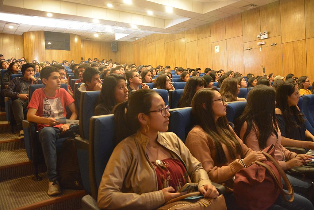 ucsm-ucsm-entrega-mil-182-becas-a-estudiantes-que-fueron-afectados-por-la-crisis-del-covid-19-1