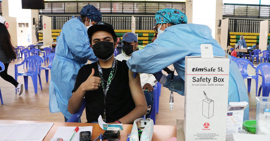 ucsm-en-14-vacunatorios-del-coliseo-santa-maria-universitarios-recibieron-segunda-dosis-contra-el-covid-19